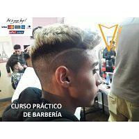 """""""Curso de Técnicas de Barbería – Corte de Cabello, Degrades y Barbershop""""."""